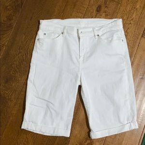 White 7 for all man kind Bermuda shorts